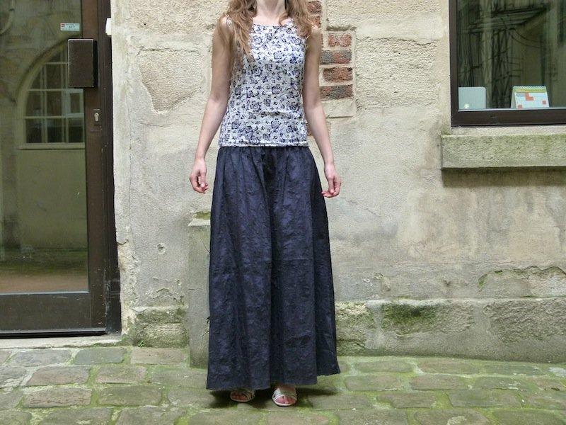 Lettre ouverte à Aliénor de Lerette dans Couture jupe-longue-bleue-marine-chez-louise