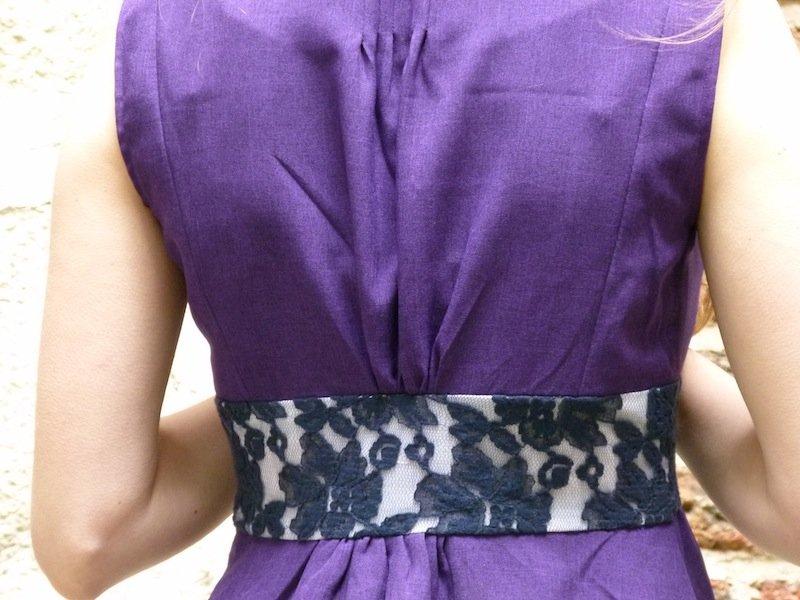 robe-violette-chez-louise-dos-details-2