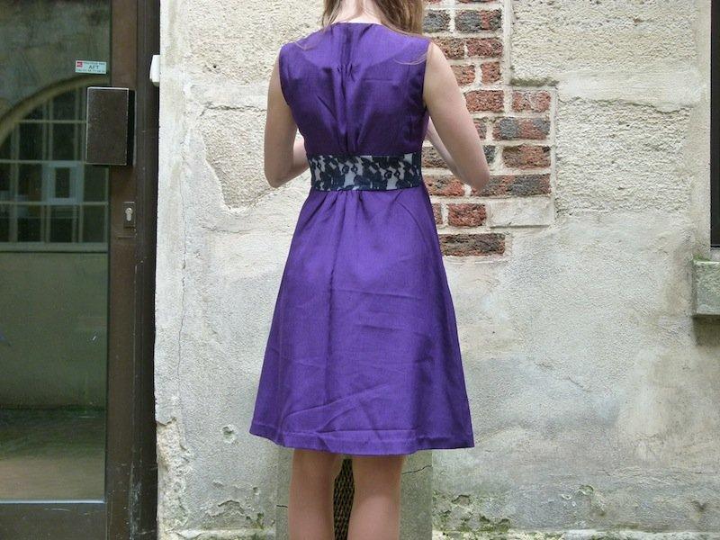 robe-violette-chez-louise-dos