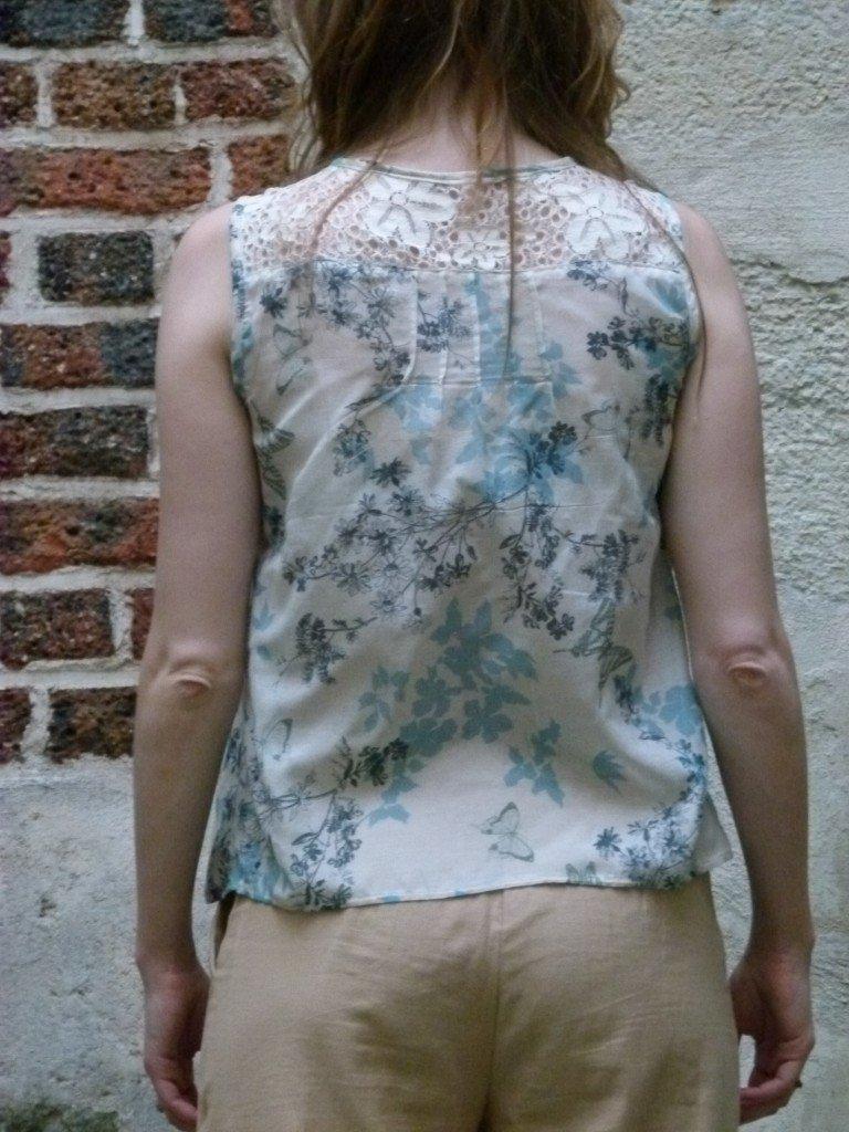 pantalon-beige-chez-louise-fesses-